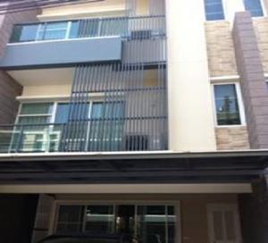 For RentTownhouseLadprao101, The Mall Bang Kapi : ให้เช่าทาวน์โฮม 3 ชั้น ทาวน์พลัส เอ็กซ์ ลาดพร้าว ซอยโยธินพัฒนา 11 บ้านสวย ตกแต่งพร้อม แอร์ 4 เครื่อง เฟอร์นิเจอร์ครบ อยู่อาศัย เลี้ยงสัตว์เล็กได้