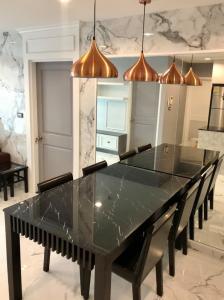 For RentCondoSukhumvit, Asoke, Thonglor : Line ID : lifebkk Rent Serene Place Sukhumvit 24  2Bed/2Bath  Area 80 Sq.m. 5th Floor Rental 35,000 Bath
