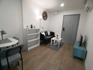 For RentCondoRangsit, Patumtani : ให้เช่าAttitude BU แอททิจูด บียู  7,500 บาทต่อเดือน   ตึกหน้า เดินไปเรียนง่าย แต่งครบ ห้องใหญ่ 28.5ตร.ม.