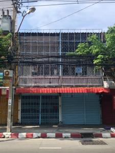 For RentShophouseThaphra, Wutthakat : Office for rent  Commercial building on main phetkasem road between soi 8 and soi 10 , opposite to condominium the parkland