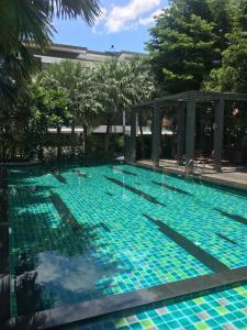 For RentTownhouseEakachai, Bang Bon : ให้เช่า-ขาย บ้านโครงการ six nature กัลปพฤกษ์ บ้านติดกับ club house ส่วนกลาง ( เป็นหลังเดียว ) เสมือนมีสระว่ายน้ำส่วนตัว