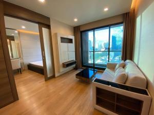 For RentCondoSathorn, Narathiwat : For rent, The Address Sathorn, Floor 12AA, fully furnished, with bathtub, view of MahaNakhon building