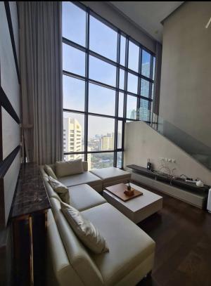 For RentCondoRatchadapisek, Huaikwang, Suttisan : Fir rent Ivy Ampio A high-floor duplex type condominium, 136 sq.m.ceiling height of this room is 6.6,,3beds,3baths