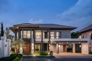 ขายบ้านเสรีไทย-นิด้า : For Sell Luxury House with Fully Decorated inRamintra-Serithai ✅Useble Area : 443 Sq.M✅Land Size : 100.8 Sq.W✅4 Bedrooms / 5 Bathrooms / Maid Quarter✅Dinning Room / Family Area / Double Living✅Eldercare Solution✅4 Car Parking lot /Shoe Storage⚜⚜