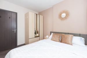 For RentCondoOnnut, Udomsuk : For rent, The Base Park West, Sukhumvit 77, beautiful room, newly renovated