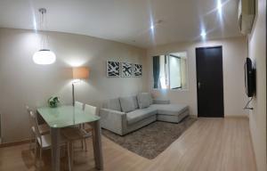เช่าคอนโดราชเทวี พญาไท : For SALE/RENT The address pathumwan  Near BTS Ratchatewi 200 m. Corner size 48.91 sqm. ชั้น 8 (บนสุด) ห้องริม 1 ห้องนอน 1ห้องน้ำ 1 ห้องครัว 1ห้องรับแขก(แยกส่วนชัดเจน)