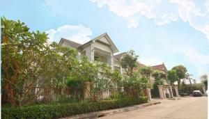 ขายบ้านเสรีไทย-นิด้า : ขายมือสอง : บ้านเดี่ยว ลัดดารมย์ รามคำแหง ย่านสะพานสูง* หันหน้าทางทิศ ทิศเหนือ 4ห้องนอน 3ห้องน้ำ 2ที่จอดรถ
