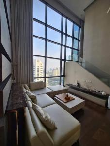 For RentCondoRatchadapisek, Huaikwang, Suttisan : Condo for rent Ivy Ampio (Ivy Ampio) Duplex 3 bedrooms