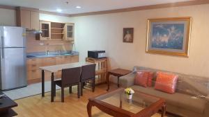 For RentCondoSukhumvit, Asoke, Thonglor : 2 bedrooms with bathtub , high fl  for rent Waterford Diamond Tower Sukhumvit 30/1.