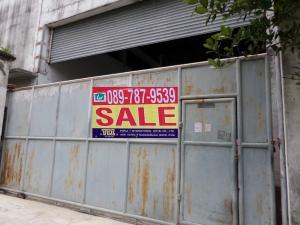 For SaleFactorySamrong, Samut Prakan : Warehouse for sale, size 300 sq.wah , Soi Thanasit 6, Thepharak with tenants.