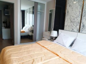 For RentCondoRatchadapisek, Huaikwang, Suttisan : Condo forCondo for rent Metro Luxe Ratchada,💥big room, separate💥, near MRT Huai Khwang, MRT Sutthisan, fully furnished, ready to move inSize 35 sq.m., Building D, 6th floor💰 Rental price: 13,500 baht / month