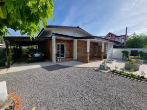For SaleHouseNakhon Sawan : Beautiful house for sale, good location, cheap price.