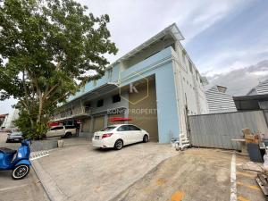 เช่าโกดังเลียบทางด่วนรามอินทรา : ให้เช่าโกดัง พร้อมออฟฟิศ 200 ตร.ม. เขตวังทองหลาง กรุงเทพ Warehouse for rent with office 200 sq.m., Wang Thonglang, Bangkok.