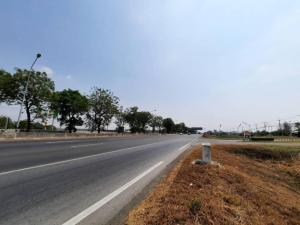 For SaleLandSing Buri : Land for sale, 3-3-35 rai, next to Asian asphalt, next to the shell pump, Nakhon Sawan-Bangkok line, Tha Khoi Subdistrict, In Buri District, Sing Buri Province