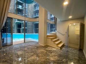 ขายคอนโดสุขุมวิท อโศก ทองหล่อ : Private Residences แอชตัน เรสซิเดนท์ 41, ห้องหลุดดาวน์ Duplex 3 Bedrooms Pool Access