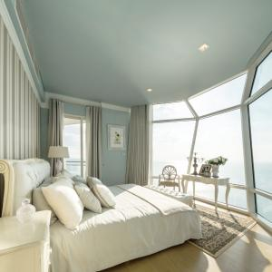 ขายคอนโดพัทยา บางแสน ชลบุรี : SHOCK PRICE! 🔥 FOR SALE Reflection Jomtien Beach Pattaya (Top floor) Ocean View, Fully furnished and READY TO MOVE IN!! 🔥🔥