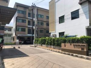 For RentTownhouseSilom, Saladaeng, Bangrak : Townhome new for rent, Rama 3, Sathorn for rent - for sale, second hand