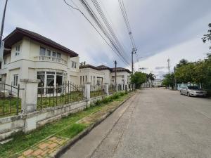 ขายที่ดินนครปฐม พุทธมณฑล ศาลายา : ขายที่ดินพร้อมสิ่งปลูกสร้าง  หมู่บ้านบ้านสวนพุทธมณฑลสาย1
