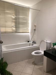 เช่าคอนโดสาทร นราธิวาส : ห้องใหญ่ราคาดีมาก ONLY 26,000/ `Available at SANT LOUIS GRAND TERRACE type 2 bed 1 bath 82.5 sqm please contact to visit