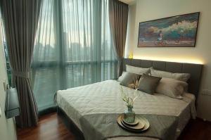For RentCondoRatchathewi,Phayathai : Fully furnished , nice view , quiet
