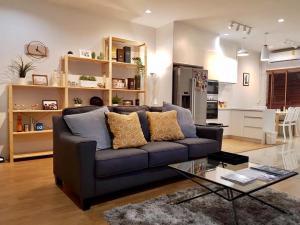 ขายทาวน์เฮ้าส์/ทาวน์โฮมระยอง : (เจ้าของขายเอง) ทาว์นโฮม 2 ชั้น SC Village นิคมพัฒนาระยอง ฟรีค่าธรรมเนียมค่าโอนทุกอย่างครับ