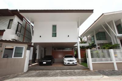 เช่าบ้านสุขุมวิท อโศก ทองหล่อ : Modern House for Rent 150,000 Baht/month Located on Sukhumvit 26