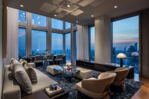 ขายคอนโดสาทร นราธิวาส : Selling : The Ritz Carlton Sky Residence Sathorn  Duplex Type , 2 BEDS, 3 BATHS, 40th floor, 229 SQ.M.