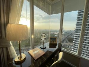For SaleCondoLadprao, Central Ladprao : SA165 Sale CondoThe Saint Residences 2-Bed High Floor 9.55 MB rent 35,000 baht