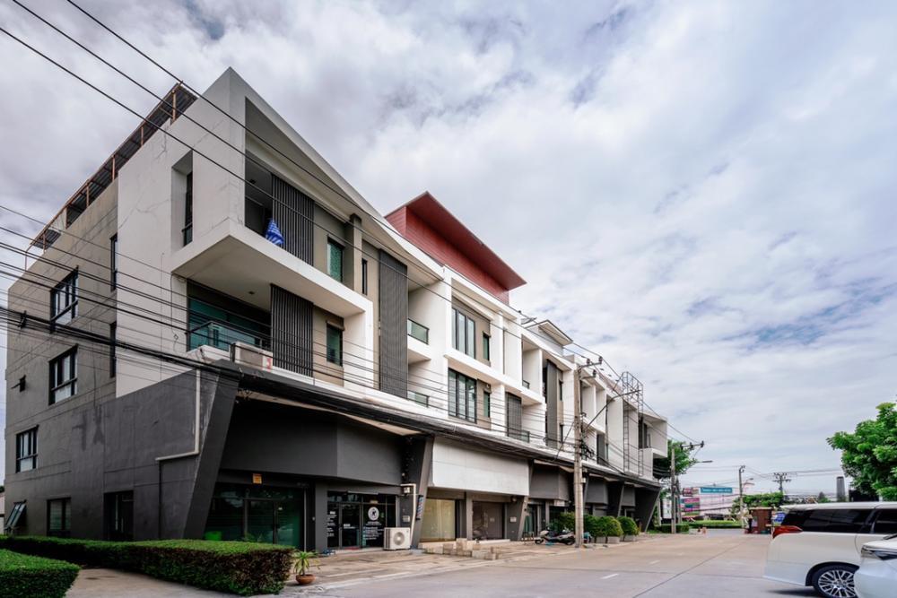 ขายตึกแถว อาคารพาณิชย์นวมินทร์ รามอินทรา : ขายอาคารพาณิชย์ 4.5 ชั้น 2 คูหา โครงการ บี อเวนิว วัชรพล สุขาภิบาล 5 แขวง ออเงิน เขตสายไหม