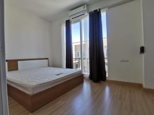 For RentTownhouseSamrong, Samut Prakan : Townhome for rent, 3 bedrooms, 2 bathrooms, Gusto University, King Kaew - Suvarnabhumi, Soi King Kaew 37/5, near Mega Bangna, Suvarnabhumi Airport