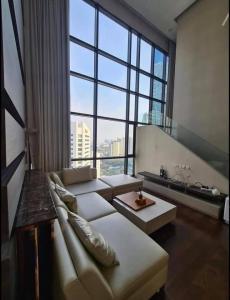 เช่าคอนโดสุขุมวิท อโศก ทองหล่อ : ให้เช่าราคาพิเศษคอนโด Ivy Ampio ห้องใหญ่ 3 ห้องนอน ใจกลางเมือง