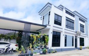 ขายบ้านรังสิต ธรรมศาสตร์ ปทุม : ขาย บ้านเดี่ยว Modern สร้างใหม่ เรียบหรู 180 ตรม. 60 ตร.วา ย่านรังสิต คลองหนึ่ง พร้อมเฟอร์นิเจอร์ ขายต่ำกว่าทุน