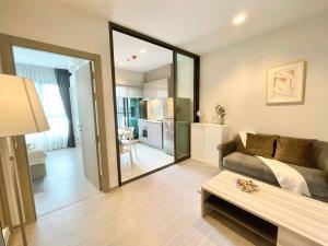 For RentCondoRama9, RCA, Petchaburi : For rent Life Asoke Rama9 🍁 new room 🍁 32 sqm. Very beautiful decorated room 🍁