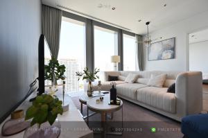 ขายคอนโดสาทร นราธิวาส : The Ritz Carlton Mahanakorn - Beautifully Furnished 2 Bedrooms / Unblocked Views / Ready To Move In