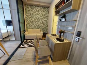 For RentCondoKasetsart, Ratchayothin : Condo for rent, Knightsbridge Kaset Society, corner room, only 40 meters from BTS Senanikom.