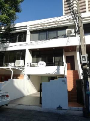 เช่าโฮมออฟฟิศสุขุมวิท อโศก ทองหล่อ : ให้เช่า Home office Sukhumvit 39 ขนาด 42 Sq.m 3 ชั้น  3 Bed 3 bath ราคาเพียง 90000 เท่านั้น !!!