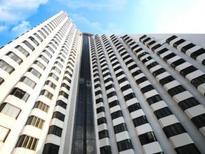 ขายคอนโดนานา : 🔥Hot Deal🔥  Omni Tower 1ห้องนอน ขนาด 65ตรม. ชั้นสูง 30+ ราคาเพียง 2.95 ล้านเท่านั้น ติดต่อ ณัฐ 095-987-9669