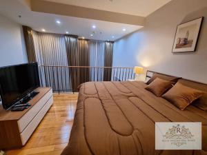 For RentCondoSukhumvit, Asoke, Thonglor : For rent The Emporio Place Sukhumvit 24, near BTS Phrom Phong