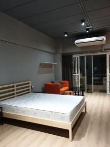 เช่าคอนโดรัชดา ห้วยขวาง : สำราญ แมนชั่น  --New!!! ห้องว่าง Line ID: @lovebkk (มี @ ด้วย) ห้องออกเร็วมาก ส่งไลน์สอบถามได้