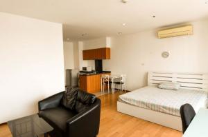 For RentCondoWongwianyai, Charoennakor : 🎁 For Rent Villa Sathorn New room /  fully furnished / river view