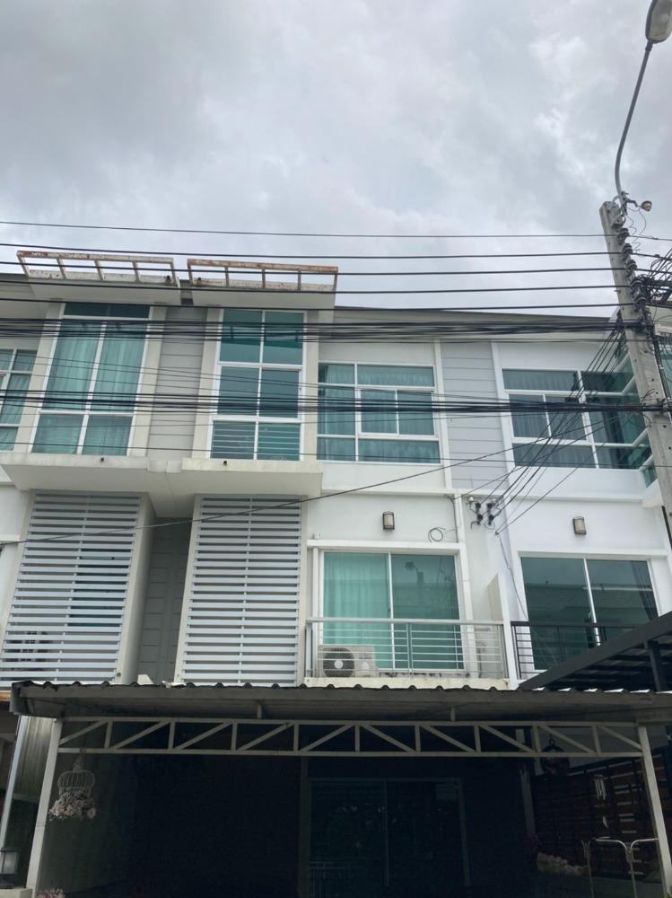For SaleTownhouseRama9, RCA, Petchaburi : H0002-A😍 For SELL ขาย ทาวน์เฮ้าส์  3 ชั้น,🚪3 ห้องนอน 🏢 The Metro พระราม 9 🔔พื้นที่บ้าน:18.00ตร.วา🔔พื้นที่ใช้สอย:216.00ตร.ม.*โดยประมาณ💲ขาย:5,100,000฿📞O86-454O477, O99-5919653 ✅LineID:@sureresidence