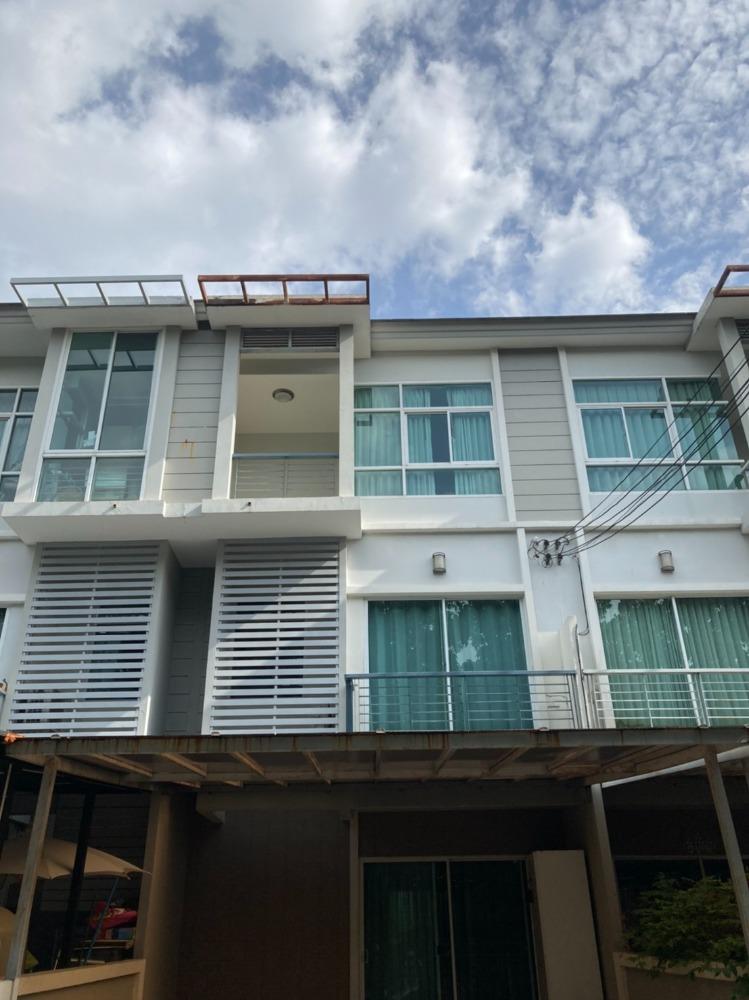 For SaleTownhouseRama9, RCA, Petchaburi : H0009-A😊😍For RENT&SELL ทาวน์เฮ้าส์  3 ชั้น,🚪3 ห้องนอน 🏢 The Metro พระราม 9 🔔พื้นที่บ้าน:18.00ตร.วา🔔พื้นที่ใช้สอย:216.00ตร.ม.*โดยประมาณ💲เช่า:21,000฿💲ขาย:4,490,000฿📞O86-454O477, O99-5919653 ✅LineID:@sureresidence