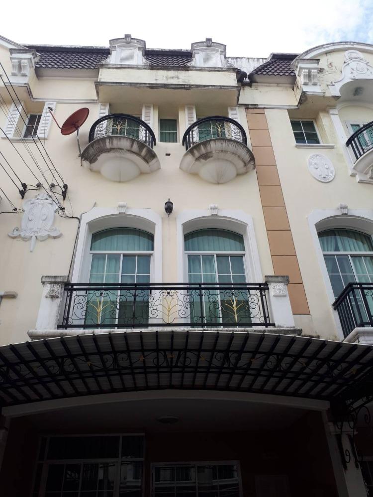 For SaleTownhouseRama9, RCA, Petchaburi : H0010-A😊😍For RENT&SELL ทาวน์เฮ้าส์  3 ชั้น,🚪3 ห้องนอน 🏢 The Metro พระราม 9 🔔พื้นที่บ้าน:18.00ตร.วา🔔พื้นที่ใช้สอย:216.00ตร.ม.*โดยประมาณ💲เช่า:19,000฿💲ขาย:5,000,000฿📞O86-454O477, O99-5919653 ✅LineID:@sureresidence