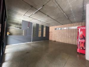 เช่าโชว์รูม สํานักงานขายแจ้งวัฒนะ เมืองทอง : หน้าร้าน/โชว์รูม/ร้านค้า/ออฟฟิสให้เช่าอยู่ในอาคารสร้างใหม่ ราคาลดพิเศษ ใจกลางเมืองทองธานี