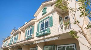 ขายทาวน์เฮ้าส์/ทาวน์โฮมเชียงใหม่ : ขาย ทาวน์โฮม สไตล์วินเทจ โครงการ Villaggio สันทราย-เชียงใหม่ มาตรฐานจาก แลนด์ แอนด์ เฮ้าส์ สวยหรู