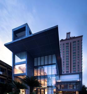 เช่าโชว์รูม สํานักงานขายสุขุมวิท อโศก ทองหล่อ : Showroom / Office for RENT at Phromphong โชว์รูม ออฟฟิศให้เช่า สวยงามสูงโปร่ง (อาคารเปล่า)