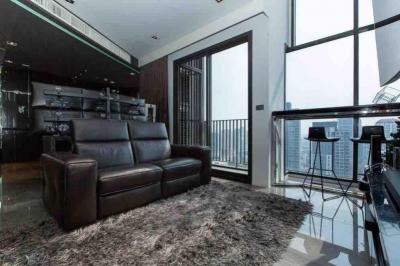 ขายคอนโดสุขุมวิท อโศก ทองหล่อ : ขายคอนโด HQ Thonglor by Sansiri ขนาด 83 Sq.m 1 bed 1 bath Duplex ราคาเพียง 20.9 MB เท่านั้น !!!! Top Floor
