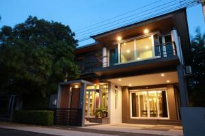 For SaleHouseLadprao, Central Ladprao : 2 Storey detached house for sale, fully furnished, built-in furniture, located in front of the garden, The Gallery House Pattern village