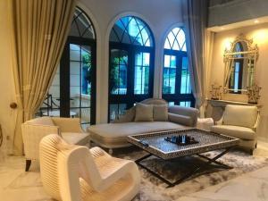 For RentHouseSukhumvit, Asoke, Thonglor : 🔥Luxury House for Rent / Sale🔥 #Ekamai