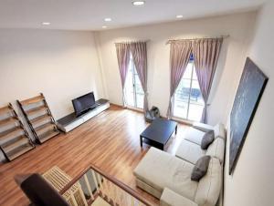 For RentTownhouseRama3 (Riverside),Satupadit : for rent ,Bann KlangKrung Granvienna Rama3250 sqm. usable space. 3.5stories, 4 bedrooms. 4 bathrooms, #pet friendly.